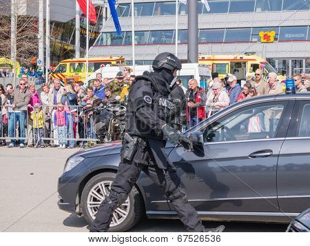 Dutch Swat Team In Action
