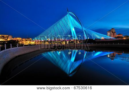 Seri Wawasan Bridge and it reflection during blue hour