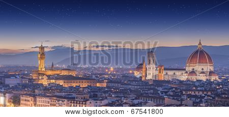 Arno River and Ponte Vecchio at sunset, Florence