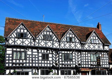 Tudor House Inn, Warwick.