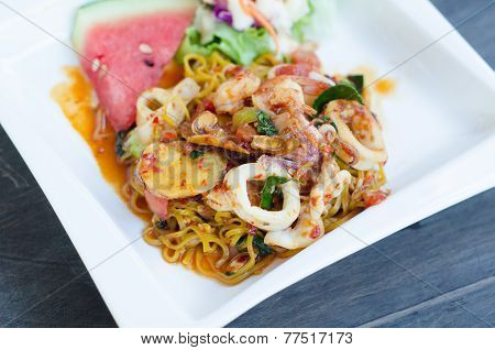 Stir Fried Spaghetti With Tom Yum Sauce