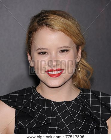 LOS ANGELES - SEP 29:  Taylor Spreitler arrives to the