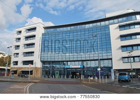 HASTINGS, ENGLAND - NOVEMBER 10, 2014: The exterior of the Sussex Coast College building in Station Plaza. The 22,000sq metre Sixth Form and Further Education college was completed in 2009.
