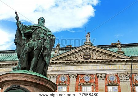 Statue Of Gustavo Erici In Front Of Riddarhuset (house Of Nobility) In Stockholm, Sweden