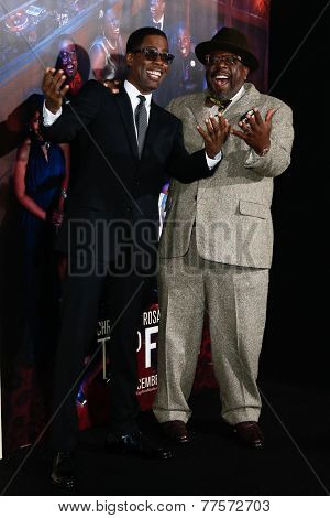 NEW YORK-DEC 3: Comedian/actor Chris Rock (L) and Cedric the Entertainer attend the