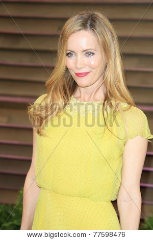 LOS ANGELES - MAR 2:  Leslie Mann at the 2014 Vanity Fair Oscar Party at the Sunset Boulevard on March 2, 2014 in West Hollywood, CA