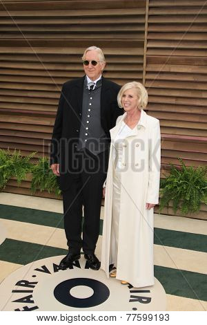 LOS ANGELES - MAR 2:  T-Bone Burnett, Callie Khouri at the 2014 Vanity Fair Oscar Party at the Sunset Boulevard on March 2, 2014 in West Hollywood, CA