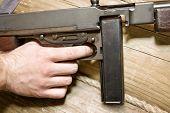 picture of tommy-gun  - Thompson gun - JPG