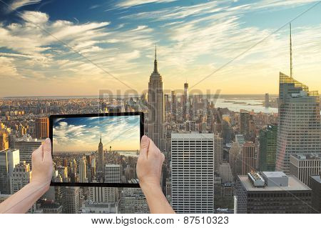 Midtown Manhattan In Reality And In Tablet