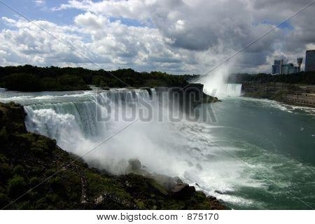 Niagara Falls In Daylight