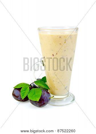 Milkshake with black plums