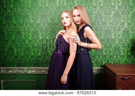 Two Hot Girl In Green Vintage Interior