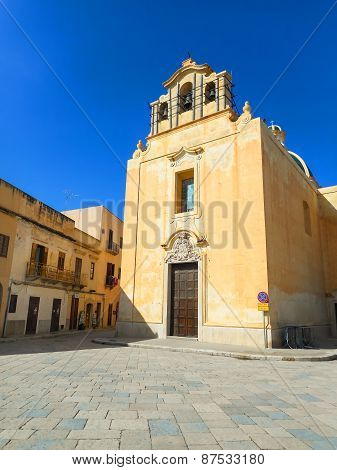 The church on the Piazza Matrice in Favignana