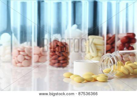 Pills/drug/laboratory