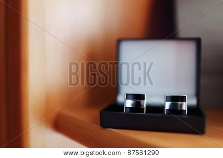 Black Cufflinks In The Box, Bowtie