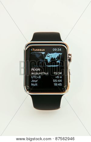 Apple Watch Showing timezone app