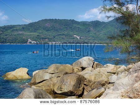 Thai Pleasure Boating On A Calm Sea Bay