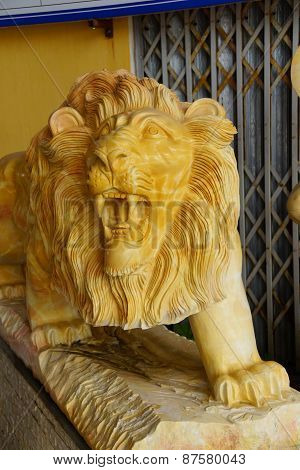 Roaring Yellow Lion Statue