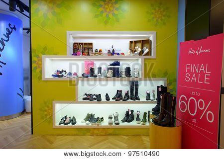 HONG KONG, CHINA - FEBRUARY 04, 2015: Chinese New Year sale in shopping center. In Hong Kong a wide selection of clothing boutiques, designer flagship stores, restaurants, daily shows and exhibitions