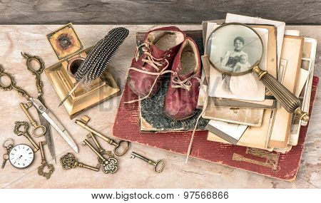 Antique Books And Photos, Keys, Writing Accessories And Baby Shoes