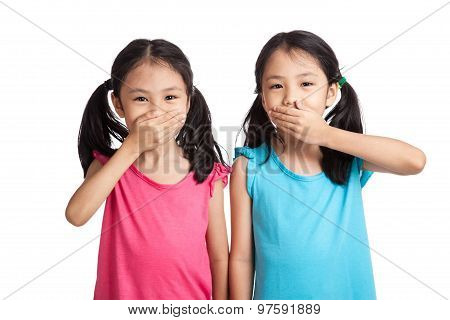 Asian Twins Girls Shut  Their Mouth