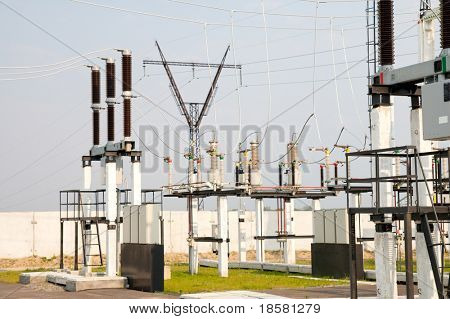 high-voltage substation with switch and disconnector