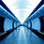Постер, плакат: Современные синий зал в метро