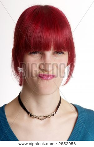 Mujer vueltas nariz