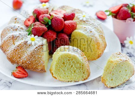 Fresh Strawberry Bundt Cake Homemade