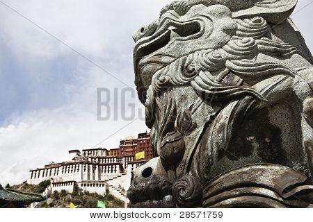 tibet: stone lion