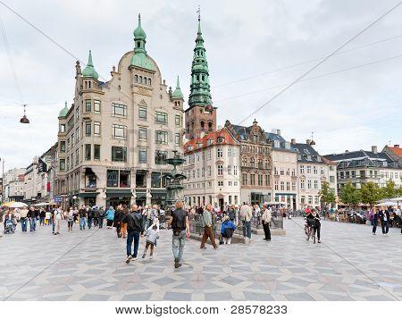Amagertorv - la Plaza Central de la mayoría en Copenhague