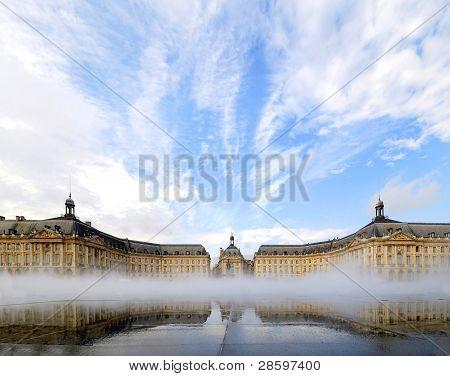Place De La Bourse em Bordeaux, na França.