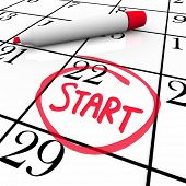 picture of significant  - A day with the word Start circled on a calendar to mark the beginning of a new job - JPG