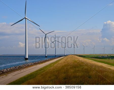 Resumen de Parque eólico holandés