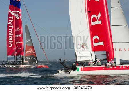 SAN FRANCISCO, CA - OCTOBER 4: Emirates Team New Zealand and Italy's Team Luna Rossa Piranha compete in the America's Cup World Series sailing races in San Francisco, CA on October 4, 2012
