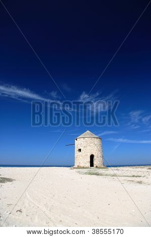 Old windmill ai Gyra beach, Lefkada