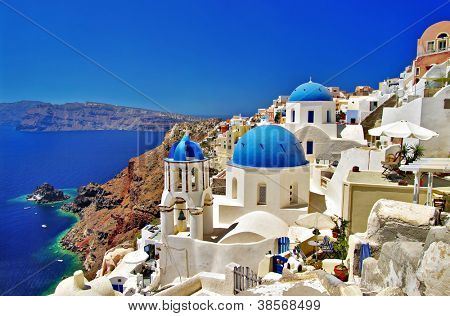 amazing Santorini - travel in Greek islands series