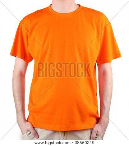 hombre en primer plano de camiseta naranja