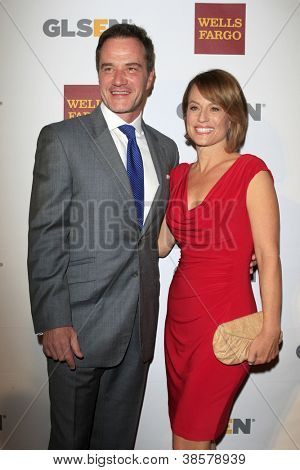 LOS ANGELES - OCT 5:  Tim DeKay, Elisa Taylor arrives at the 8th Annual GLSEN Respect Awards at Beverly Hills Hotel on October 5, 2012 in Beverly Hills, CA