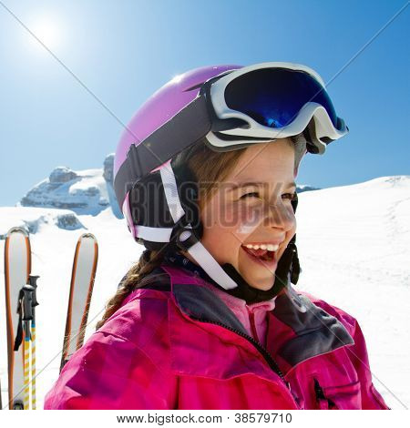Ski, skiing, winter, snow and sun