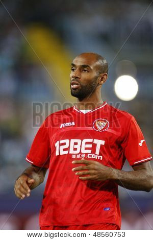 MALAGA, SPAIN. 19/09/2010. Fr�©d�©ric Kanout�© a Sevilla forward player in action during the La Liga match between CF Malaga and Sevilla, played in the La Rosaleda Stadium