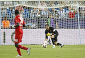 MALAGA, SPAIN. 19/09/2010. Sevilla's goalkeeper Andr�?�?�?�©s Palop (captain) in action during