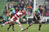 17/09/2011. Twickenham, England. Gloucester's Nick Runciman, throws a pass during the Aviva premiers