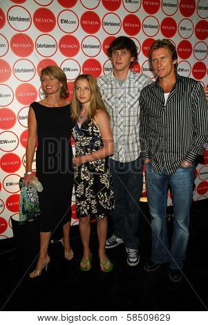 LOS ANGELES - AUGUST 26: Denis Leary and family at the Entertainment Weekly Magazine's 4th Annual Pre-Emmy Party in Republic on August 26, 2006 in Los Angeles, CA.