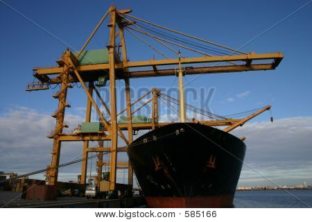 Gantry Cranes And Container Ships 2