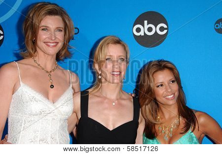 PASADENA, CA - JULY 19: Brenda Strong with Felicity Huffman and Eva Longoria at the Disney ABC Television Group All Star Party on July 19, 2006 at Kidspace Children's Museum in Pasadena, CA.