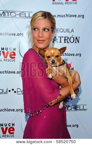 MALIBU, CA - AUGUST 05: Tori Spelling at