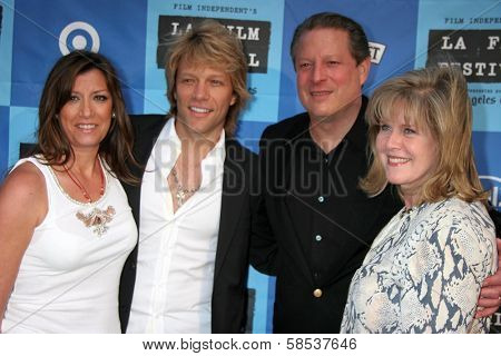 LOS ANGELES - JUNE 24: Jon Bon Jovi and wife Dorthea with Al Gore and Tipper Gore at a Special Outdoor Screening of