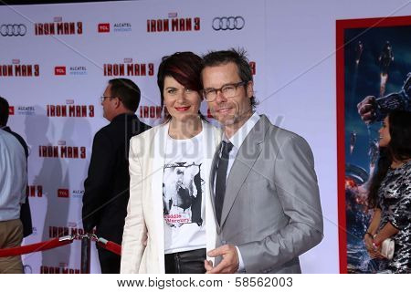Guy Pearce and wife Kate Mestitz at the