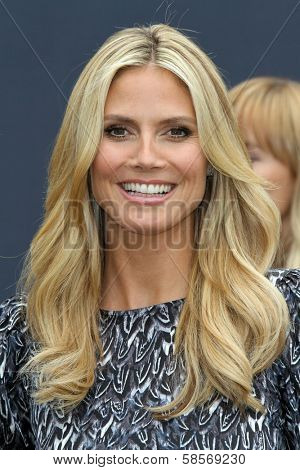Heidi Klum at the launch of Heidi Klum`s Hair Beauty Therapy's Right End Revolution, The Grove, Los Angeles, CA 05-01-13